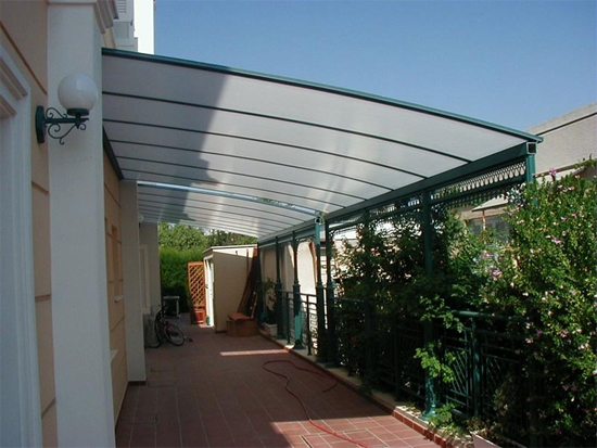 Making the roof canopy of polycarbonate